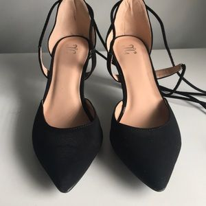 Women's black suede lace-up heels W9